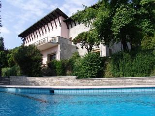 Lake Maggiore waterfront villa - Belgirate vacation rentals