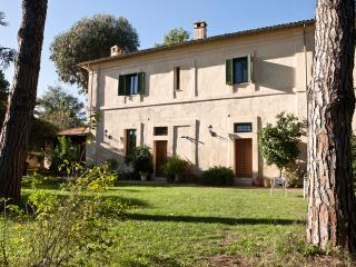 Charming 6 bedroom Bed and Breakfast in Velletri with Internet Access - Velletri vacation rentals