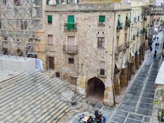DUPLEX AT TARRAGONA CITY - Tarragona vacation rentals