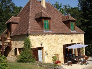Lovely 3 bedroom Cottage in Castelnaud-la-Chapelle with Internet Access - Castelnaud-la-Chapelle vacation rentals