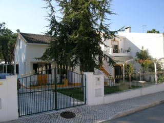 Vivenda Cesarina - Beach - Sesimbra vacation rentals