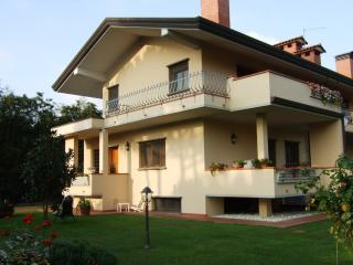 Nice House with Internet Access and Satellite Or Cable TV - Viareggio vacation rentals