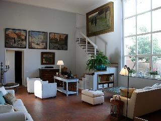 Luxury Florence apartment with private garden and - Florence vacation rentals
