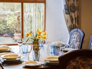Charming Cottage in Whiting Bay with Dishwasher, sleeps 5 - Whiting Bay vacation rentals