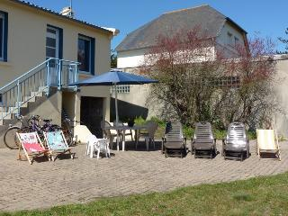 Cozy 2 bedroom Gite in Brehal with High Chair - Brehal vacation rentals