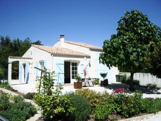 Maison très calme, 2 chambres centre ville à Meschers proche ROYAN - Meschers-sur-Gironde vacation rentals