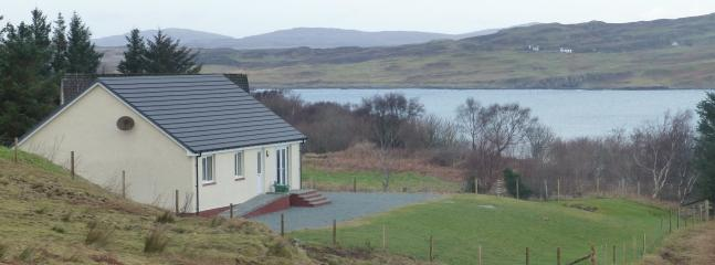Beautiful 3 bedroom Carbost House with Internet Access - Carbost vacation rentals