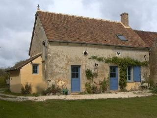 Nice 2 bedroom House in Saint-Fargeau with Parking - Saint-Fargeau vacation rentals