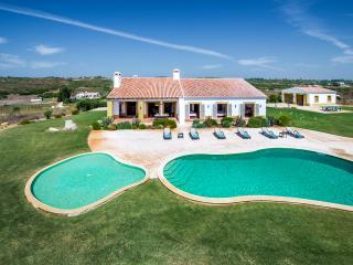 Quinta das Custas, Burgau, Near Lagos and Sagres - Burgau vacation rentals