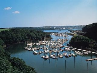 Lovely 2 bedroom Penthouse in Neyland with Internet Access - Neyland vacation rentals