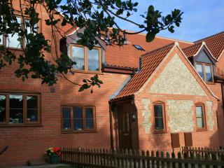 Kia Ora House, lovely self catering cottage - Mundesley vacation rentals