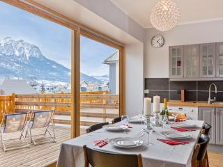 Comfortable Condo with Internet Access and Tennis Court - Briançon vacation rentals