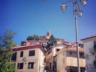 Residence delle rose - appartamento - Monforte d'Alba vacation rentals