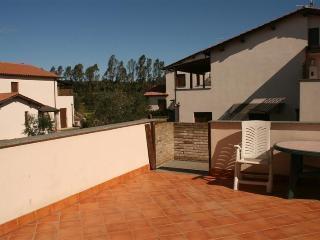 Appartamento trilocale con terrazza in Residence - Riotorto vacation rentals