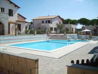 Appartamento trilocale,piscina, 800 m dal mare - Puntone vacation rentals