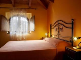 Cozy 3 bedroom Laureana Cilento Farmhouse Barn with Internet Access - Laureana Cilento vacation rentals