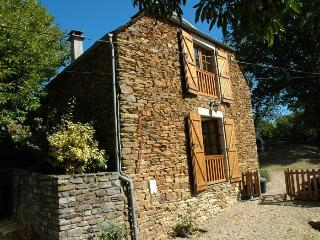 3 bedroom Gite with Dishwasher in Estaing - Estaing vacation rentals