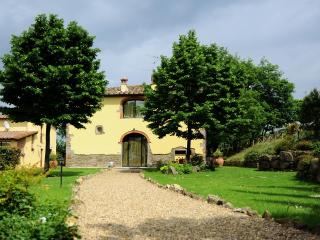 Nice Villa with Internet Access and Dishwasher - Terranuova Bracciolini vacation rentals