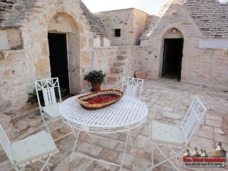 Nice Trullo with Television and Grill - Francavilla Fontana vacation rentals