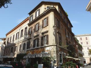 TRASTEVERE_PONTE SISTO-VATICAN - Rome vacation rentals