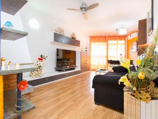 Cozy Condo with A/C and Washing Machine - Castelldefels vacation rentals