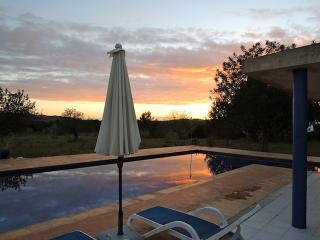 IBIZA Superbe maison de style moderniste Piscine - San Lorenzo vacation rentals