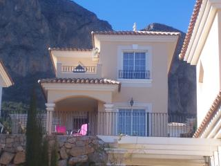 3 bedroom Villa with A/C in El Albir - El Albir vacation rentals