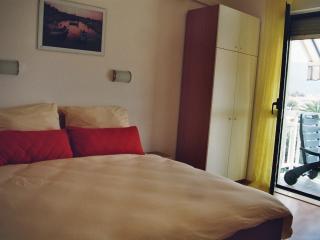 Apartments Ruza 6 - Studio - Kastel Stafilic vacation rentals