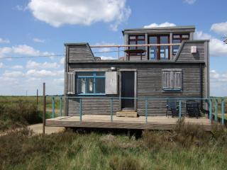 3 bedroom Cabin with Internet Access in Clacton-on-Sea - Clacton-on-Sea vacation rentals