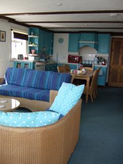 Comfortable 3 bedroom Cabin in Clacton-on-Sea - Clacton-on-Sea vacation rentals