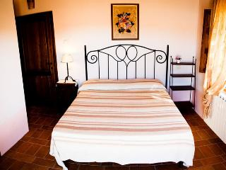 AGRITURISMO FONTELECCINO - Chianciano Terme vacation rentals