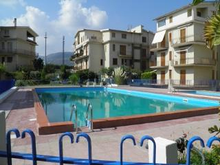 Cozy 2 bedroom Resort in Falcone - Falcone vacation rentals