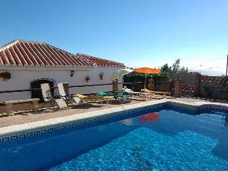 Comfortable Villa with A/C and Washing Machine - Frigiliana vacation rentals