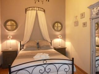 Nice Gite with Internet Access and Dishwasher - Gemozac vacation rentals