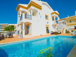 6 bedroom Villa with Internet Access in Albufeira - Albufeira vacation rentals