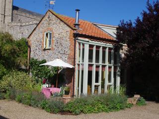 Charming Cottage with Internet Access and Television - Happisburgh vacation rentals
