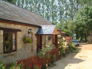 Turpins Lodge Cottage, Hook Norton - Hook Norton vacation rentals