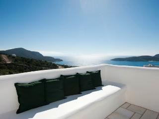 Deluxe 3 bedroom White Villa - Antiparos vacation rentals