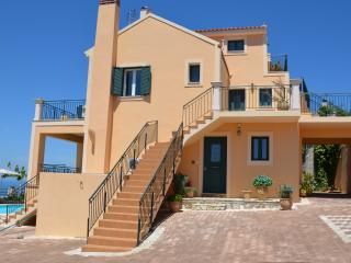Perfect 4 bedroom Fiscardo Villa with Internet Access - Fiscardo vacation rentals