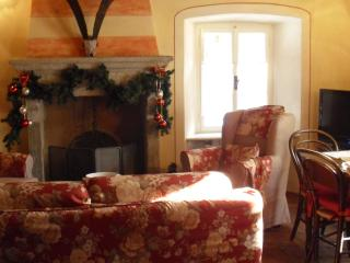 Nice Condo with Internet Access and Wireless Internet - Baceno vacation rentals