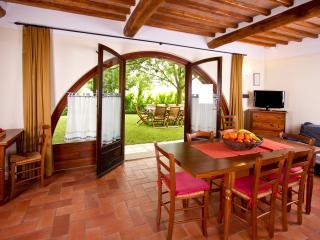 BORGO AL CERRO apt C2 MONTALCINO - Casole d Elsa vacation rentals