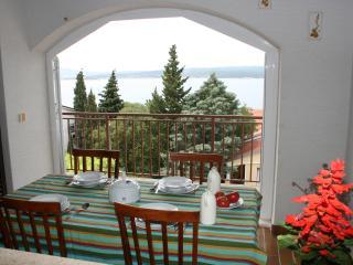 Nice 2 bedroom Dramalj House with Internet Access - Dramalj vacation rentals