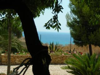 2 bedroom House with Deck in Porto Palo - Porto Palo vacation rentals