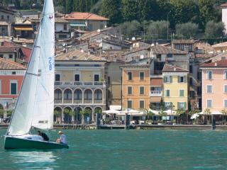 Nice 1 bedroom Condo in Gargnano with Internet Access - Gargnano vacation rentals