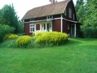 Cozy 3 bedroom House in Vastra Gotaland - Vastra Gotaland vacation rentals