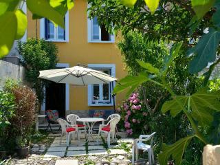 """MAISON """"Villa Les Hortensias"""" Ardèche Méridionale - Saint-Martin d'Ardeche vacation rentals"""