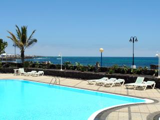 Charming Bungalow with Internet Access and Satellite Or Cable TV - Arrieta vacation rentals