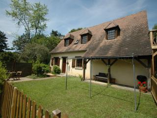 Vine Cottage at La Blanquette near Sarlat - Sarlat-la-Canéda vacation rentals