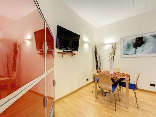 """RUBY"" apartment in the center (WIFI gratis// A/C) - Rome vacation rentals"