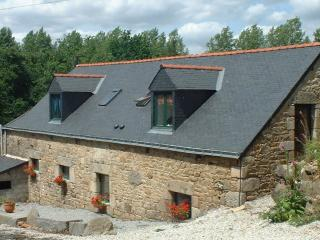 Nice Gite with Internet Access and Satellite Or Cable TV - Langoëlan vacation rentals